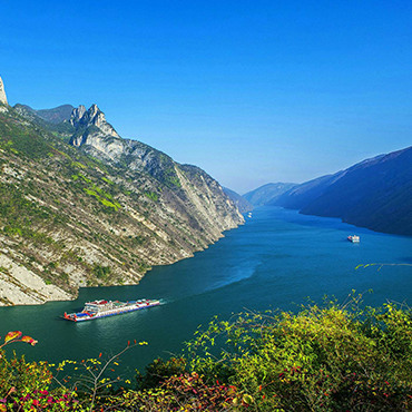 14-Day Small Group Tour to Guilin, Beijing, Xian, Chongqing, Yangtze River Cruise, Yichang, Shanghai
